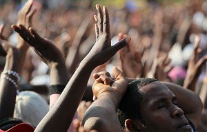 dans Culture haiti-pray-300x192
